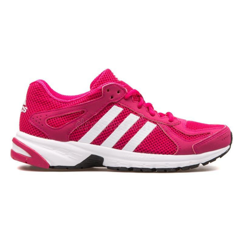 Adidas Duramo 55 è aumentato scarpa da tennis fotografia stock libera da diritti