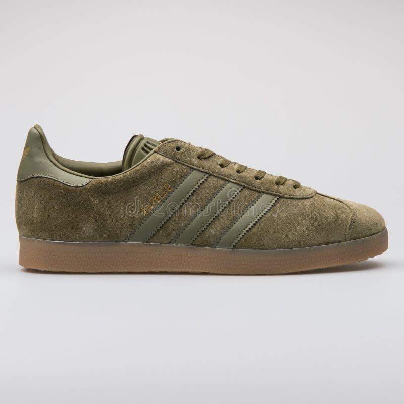 Adidas-Gazellengrünturnschuh stockfotos