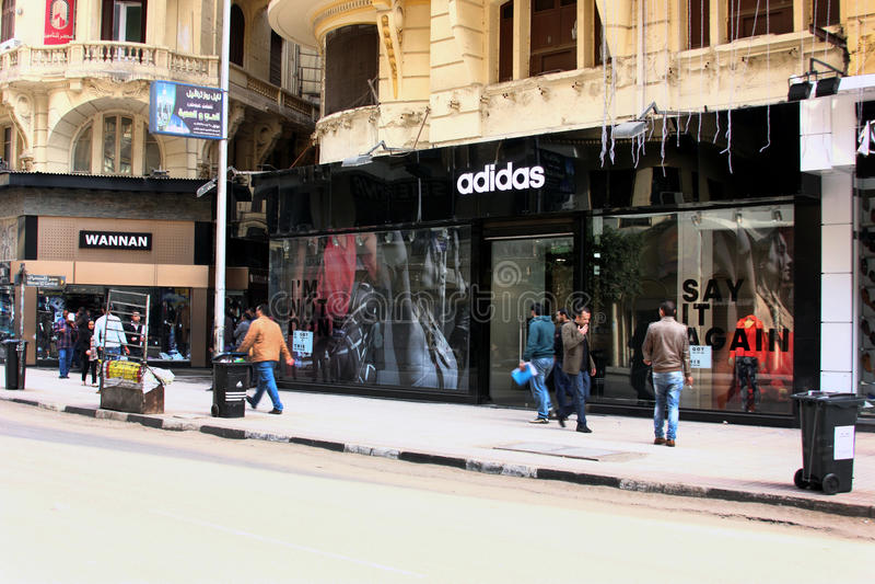 Adidas immagazzina a Cairo nell'egitto fotografie stock libere da diritti
