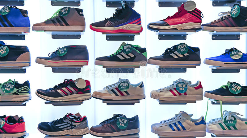 For 7564d Code Shoes F1f7c Models Adidas All Coupon m8O0Nwvn
