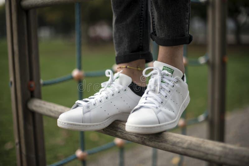 Adidas Stan Smith fotografia stock libera da diritti