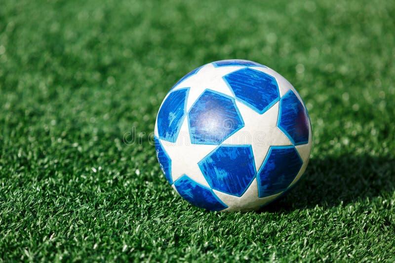 Adidas Uefa-liga av mästarebollen arkivfoto