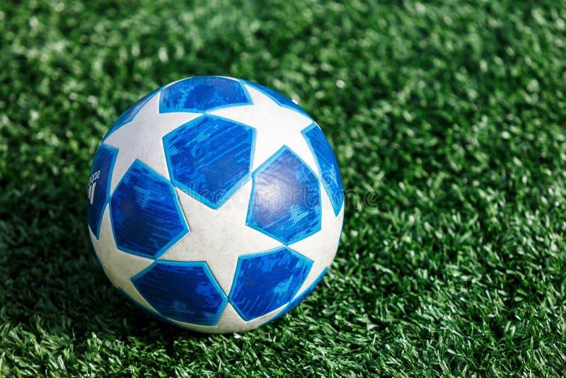 Adidas Uefa-liga av mästarebollen fotografering för bildbyråer