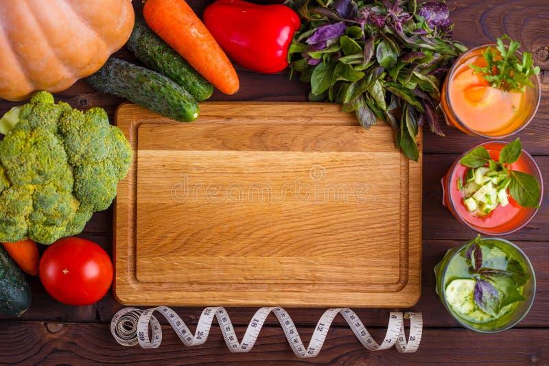 Adiete el concepto, la forma de vida sana, el detox bajo en calorías y f dietética imagen de archivo