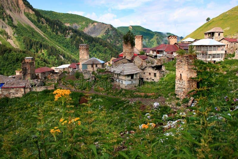 Adishi by i Svaneti fotografering för bildbyråer