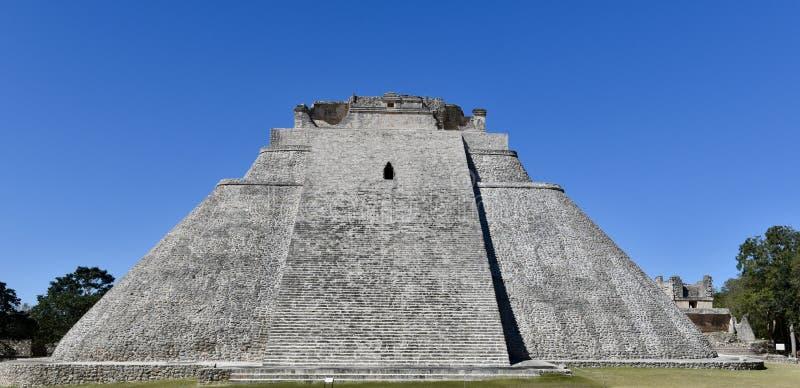 Adivino-Pyramide lizenzfreies stockbild