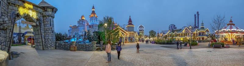 ADLER, RUSLAND - Maart 23, 2018: Het gelijk maken in het Park van Sotchi royalty-vrije stock foto's