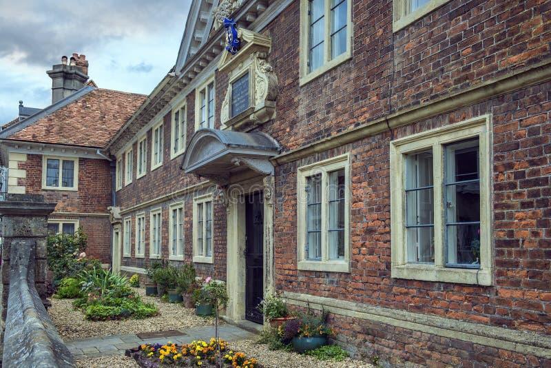 Administracyjny budynek Sarum szkoła wyższa, Salisbury, Anglia zdjęcie royalty free
