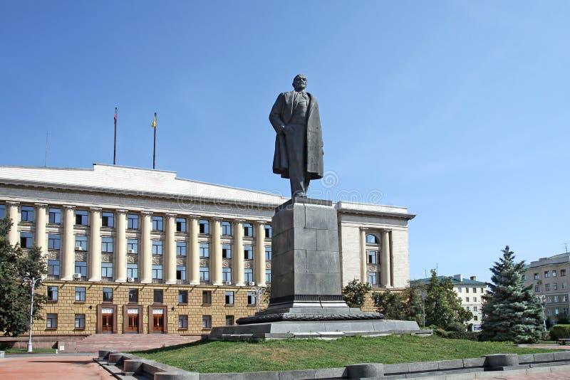 Administration de ville et monument de Lénine à Penza images libres de droits