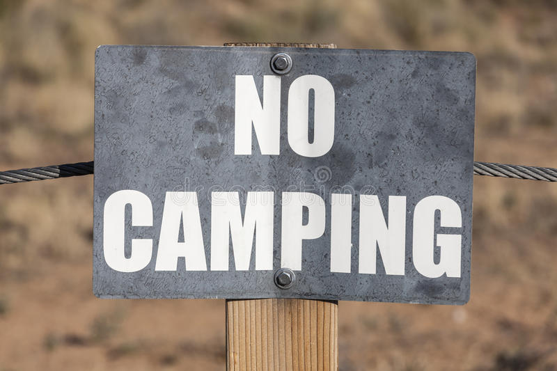 Żadny Campingowy znak zdjęcie stock