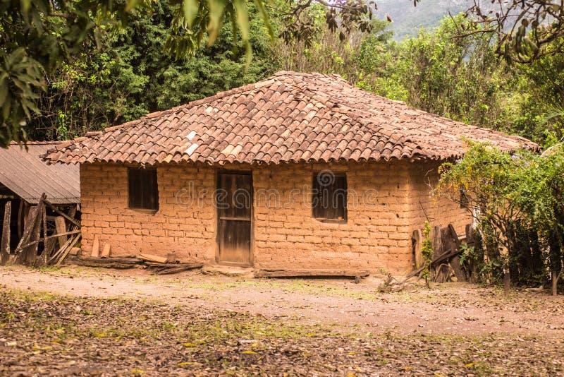 Adobe-Haus in Brasilien stockfotos