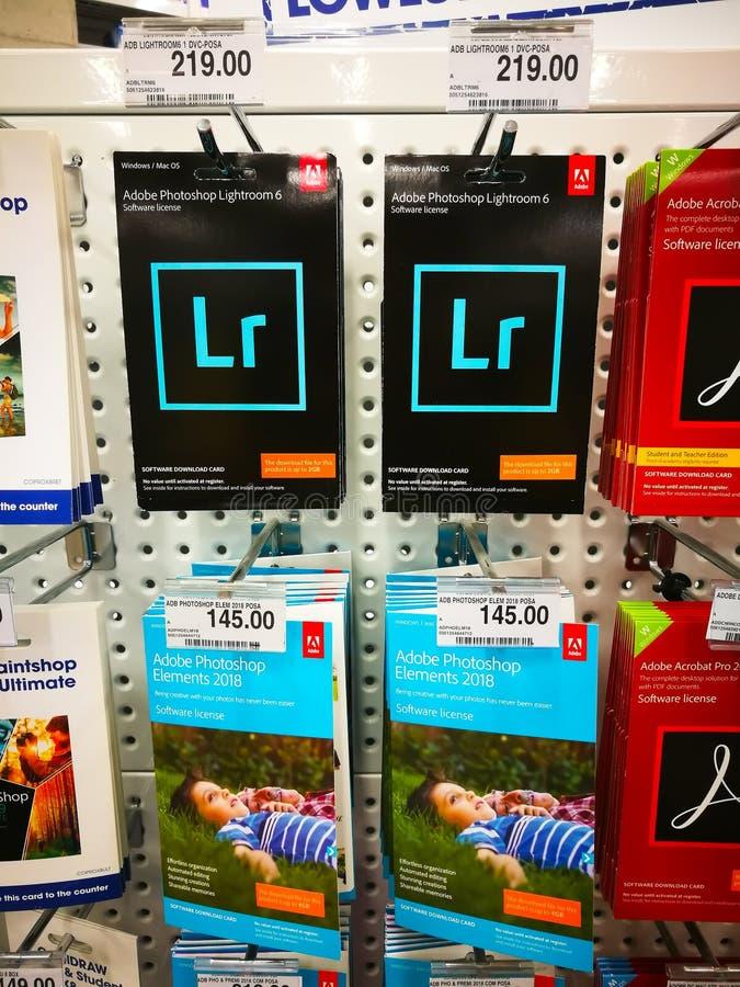 Adobe Photoshop Lightroom 6和元素2018年软件执照待售在商店 库存图片