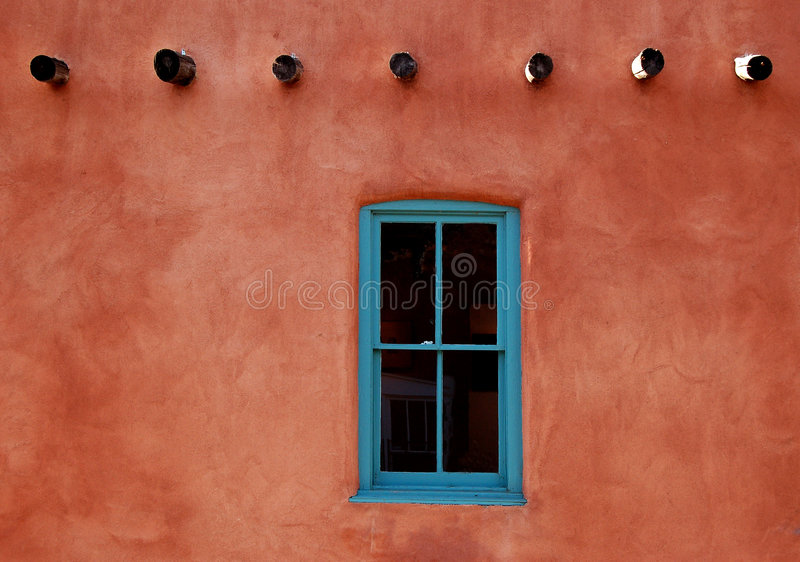 Adobeturkosfönster royaltyfria foton