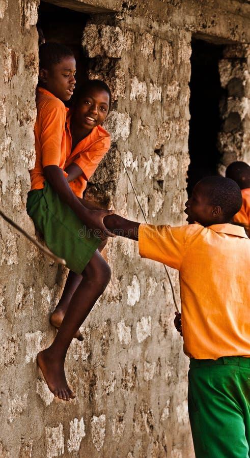 Adolescencias del Kenyan fotos de archivo