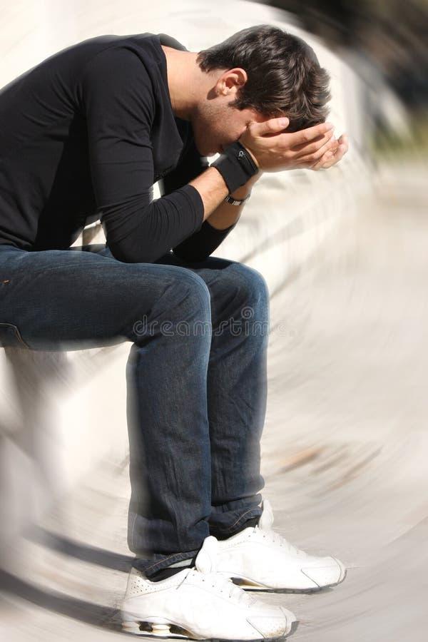 Adolescencias desesperadas y tristes de los problemas del muchacho foto de archivo libre de regalías