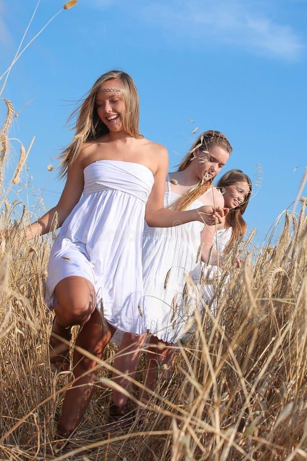 Adolescencias felices sanas foto de archivo libre de regalías
