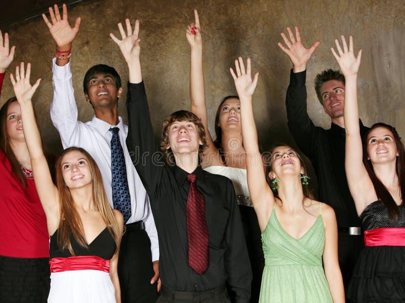 Adolescencias Que Cantan En Coro Foto de archivo