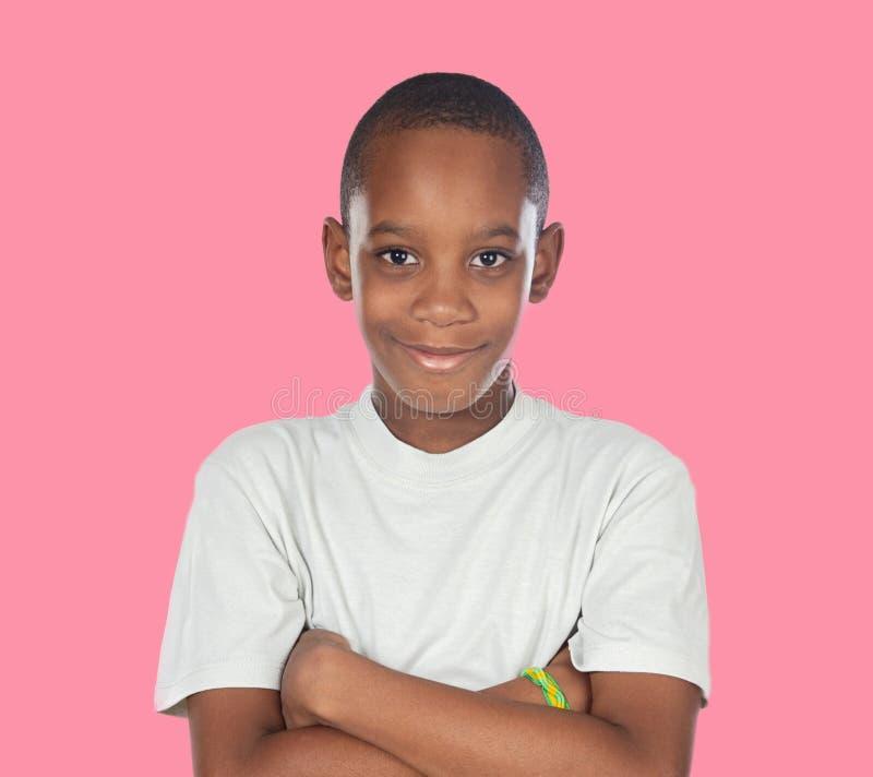 Adolescent africain de sourire avec un geste heureux images libres de droits