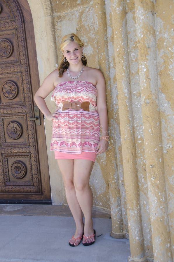Adolescent assez blond photo libre de droits