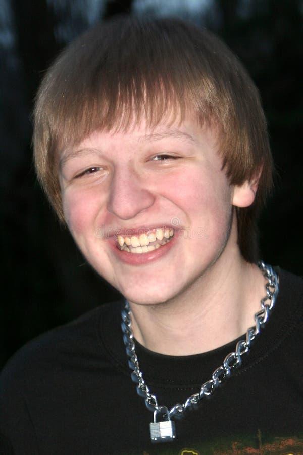 Download Adolescent de sourire photo stock. Image du grimace, bonheur - 8656844