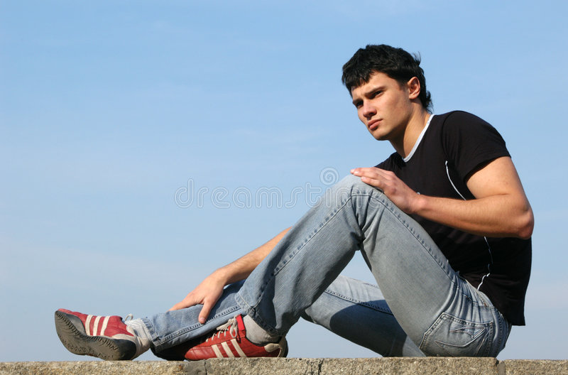 Download Adolescent pensif photo stock. Image du université, datte - 728892