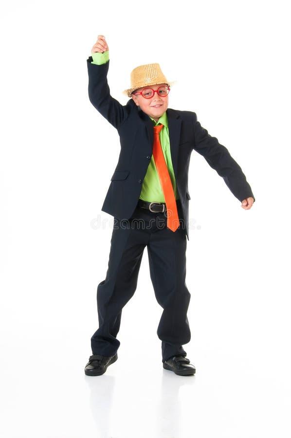 Adolescente à moda na dança do chapéu no fundo branco fotos de stock
