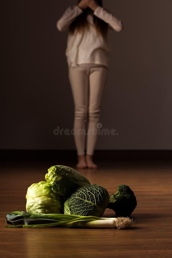 Adolescente affetto da bulimia immagini stock