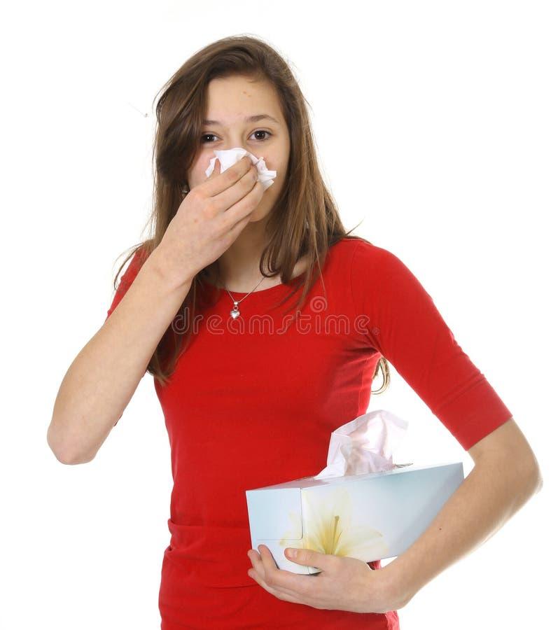 Adolescente con alergia o frío imagen de archivo libre de regalías