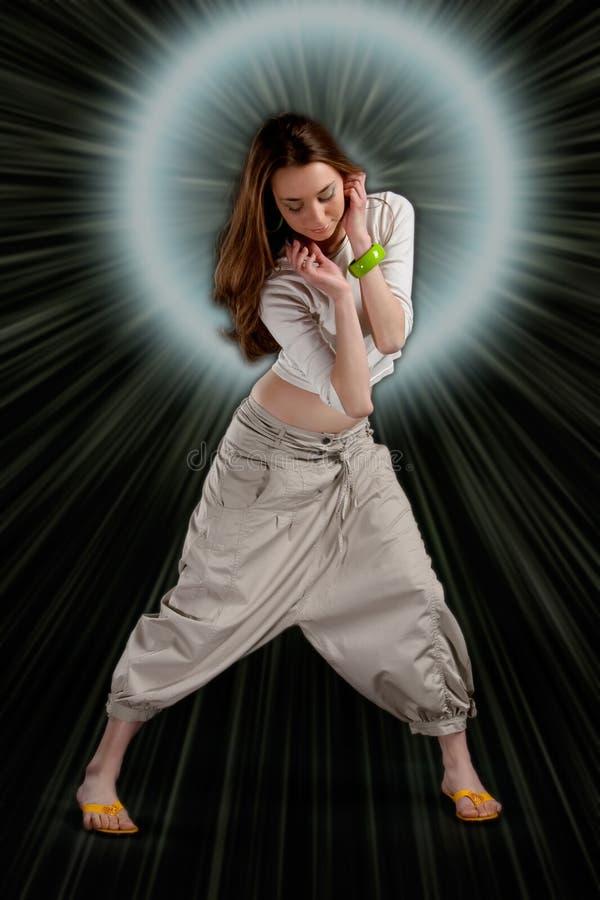 Download Adolescente Da Menina De Dança Nas Luzes Foto de Stock - Imagem de elegante, forma: 10060944