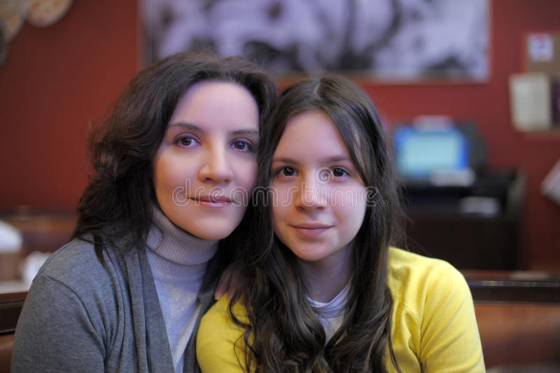Adolescente de mère et de fille images libres de droits