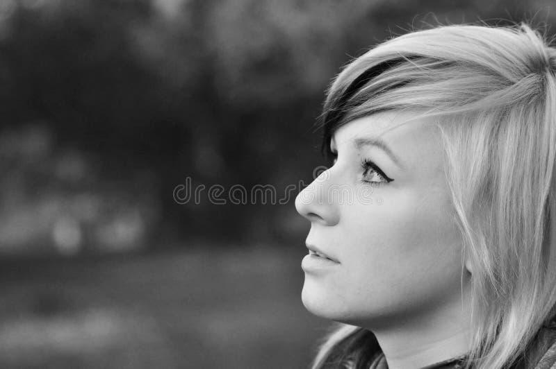 Adolescente de pensamiento fotografía de archivo