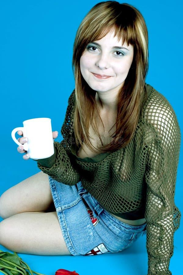 Adolescente e café foto de stock royalty free