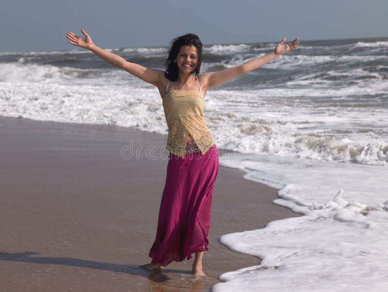 Adolescente en la playa imágenes de archivo libres de regalías