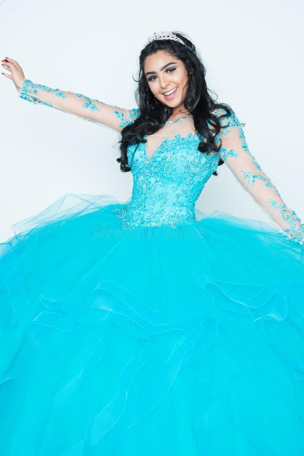 Adolescente en vestido del baile de fin de curso fotos de archivo libres de regalías