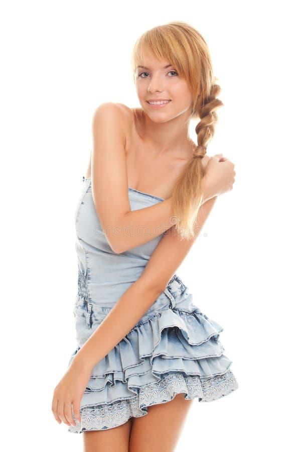 Adolescente encantador brillante en alineada azul imagen de archivo libre de regalías