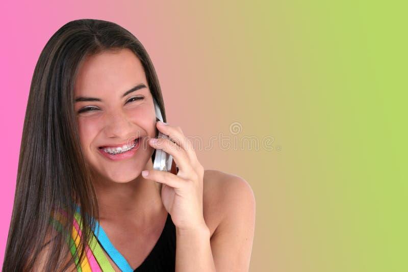 Adolescente Hermoso Con El Teléfono Celular Imagen de archivo