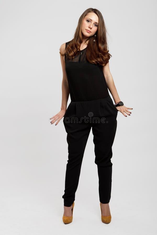 Adolescente marrom lindo do cabelo fotografia de stock