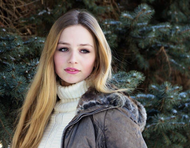 Adolescente muito bonito foto de stock