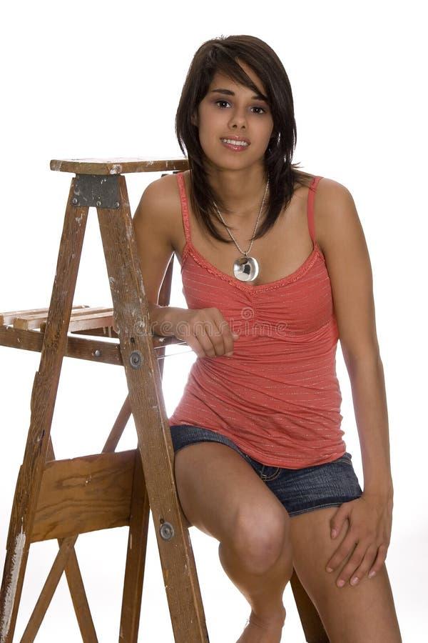 Adolescente na escada imagens de stock