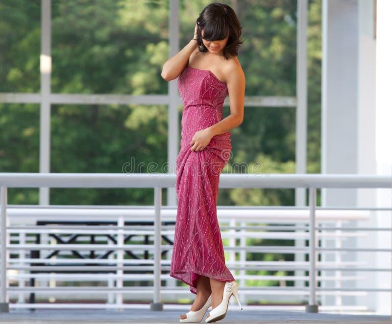 Adolescente no vestido bonito imagem de stock