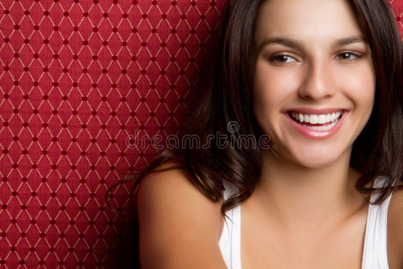 Adolescente novo de sorriso foto de stock