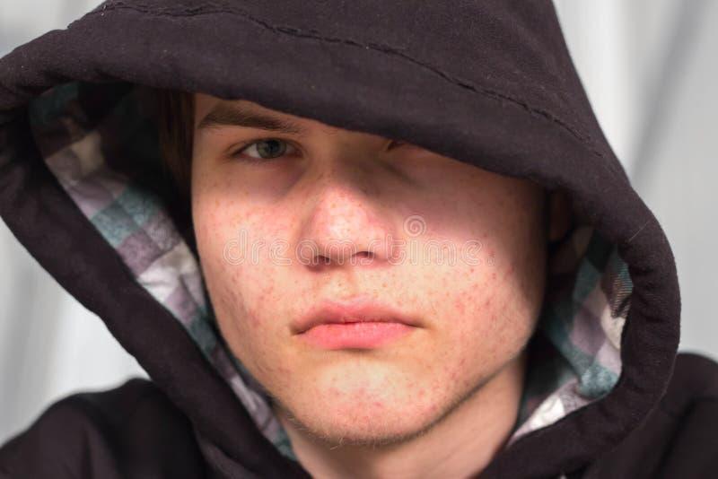 Adolescente novo triste fotografia de stock