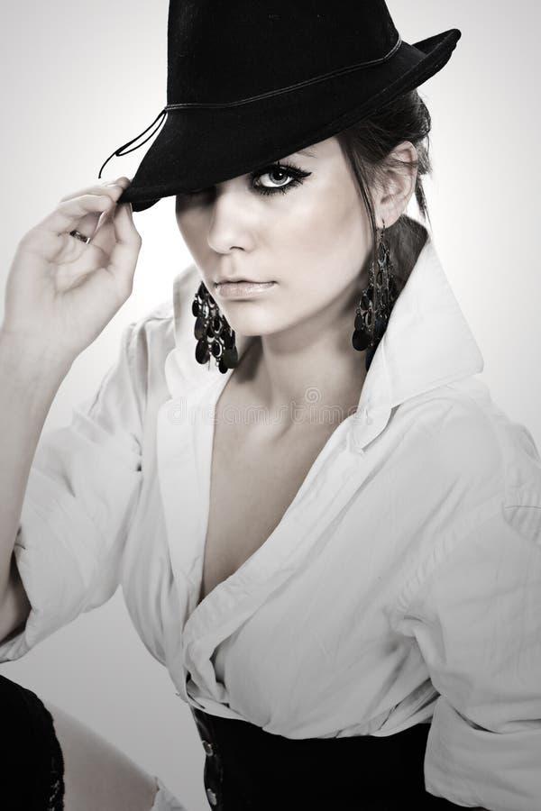 Adolescente Stunning che porta un cappello fotografia stock