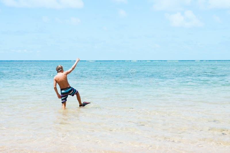 Adolescente sulla vacanza in Hawai fotografia stock