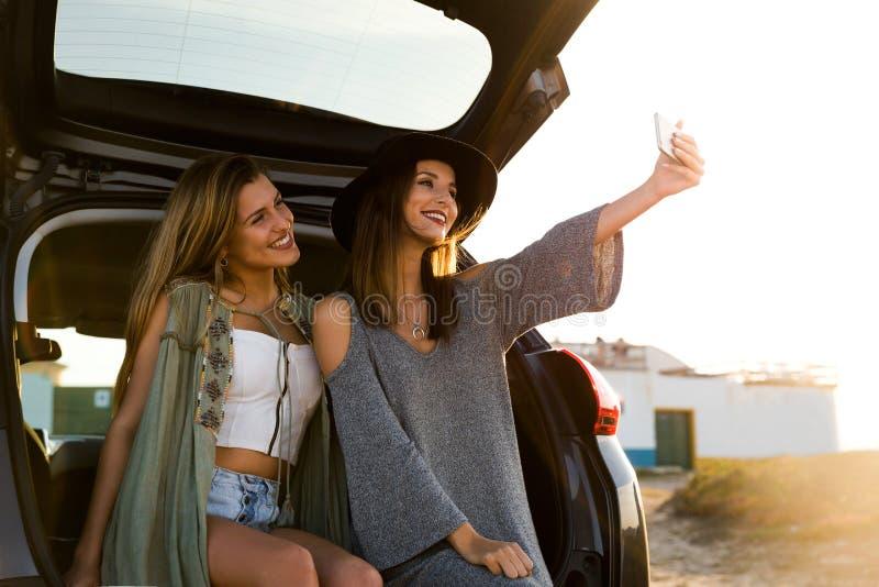 Adolescente tomando um selfie fotos de stock royalty free