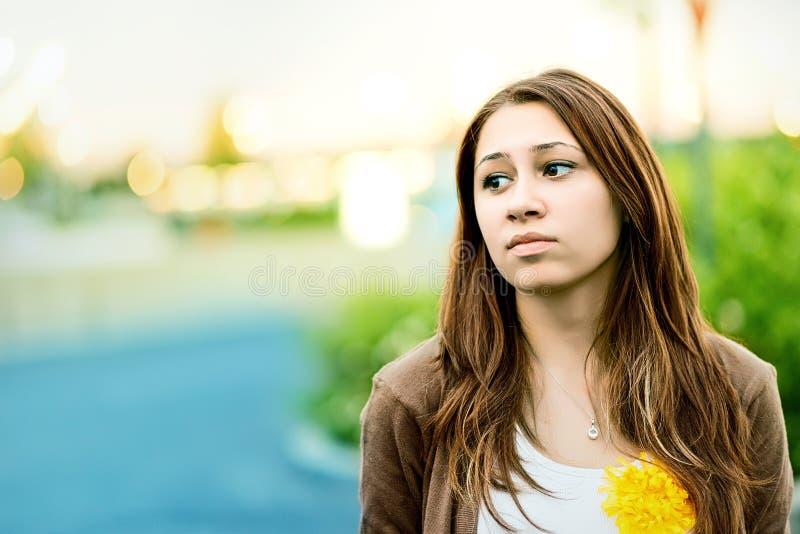 Download Adolescente Triste All'aperto In Un Parco Immagine Stock - Immagine di caucasico, perso: 30830455