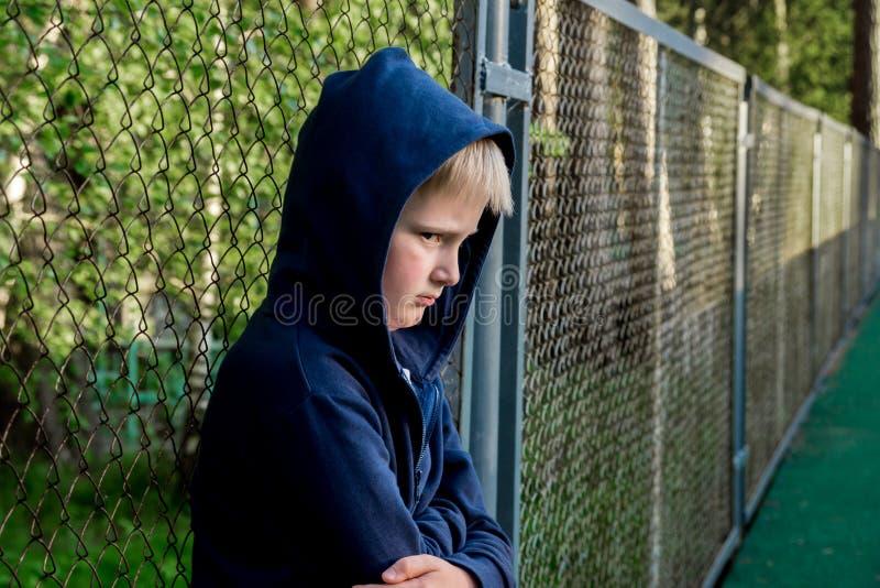 Adolescente triste da virada imagens de stock royalty free
