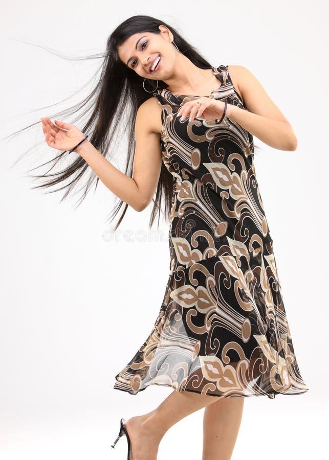 adolescente in una posa di dancing immagine stock