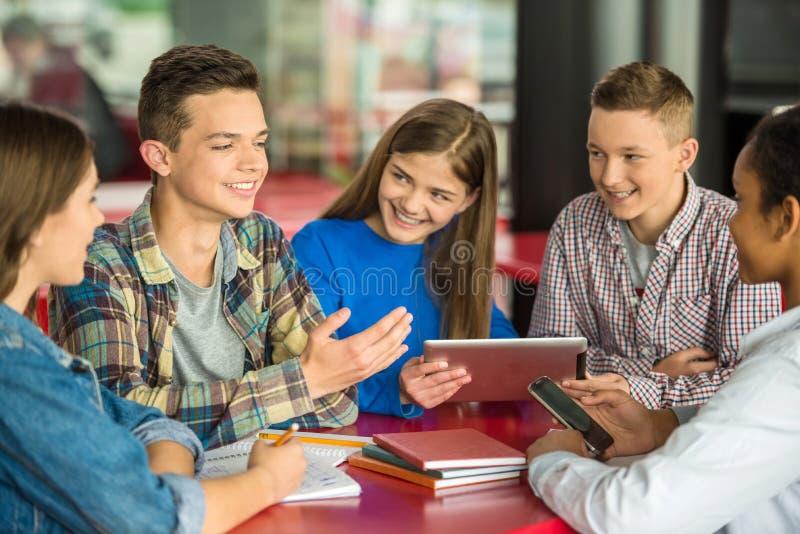 adolescentes imágenes de archivo libres de regalías