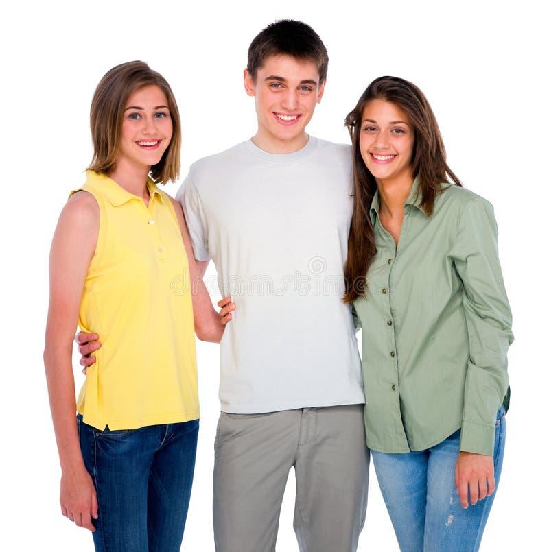 Adolescentes de embrassement d'adolescent image libre de droits